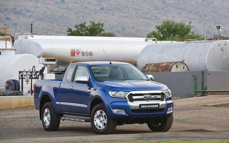 ford-ranger-xls-22l-4x2-mt-1
