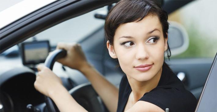 Kinh nghiệm đánh lái lùi xe ô tô chính xác và nhanh chóng nhất