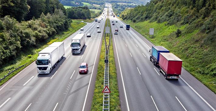 Bí quyết giúp bạn lái xe an toàn trên đường cao tốc