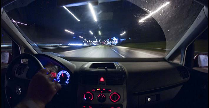 Lái xe ban đêm: 5 lời khuyên quan trọng để lái xe ban đêm an toàn và bớt căng thẳng
