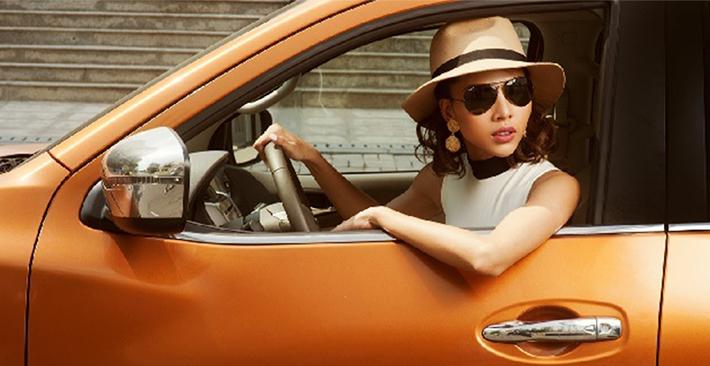 Phụ nữ lái xe rất ngầu nếu biết mẹo lái xe an toàn sau