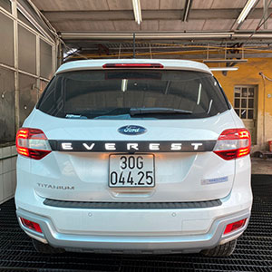 Đèn LED cốp sau xe Ford Everest