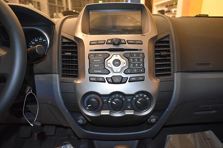 ford-new-ranger-xls-2-2l-4x2-mt-8