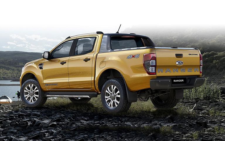 ford-new-ranger-xlt-2-2l-4x4-at-sl-3